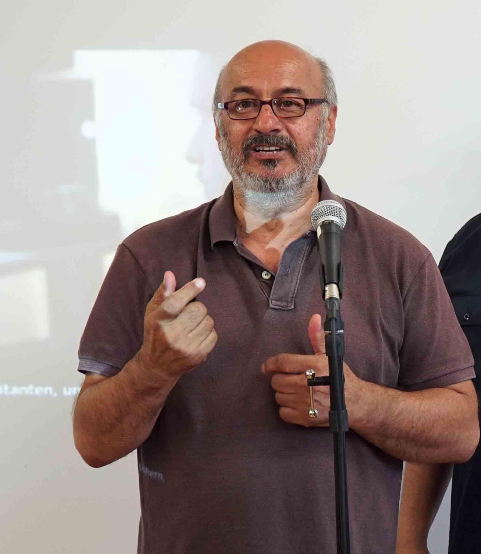Vereinsgründer Mustafa Bayram erhält 2013 das Bundesverdienstkreuz